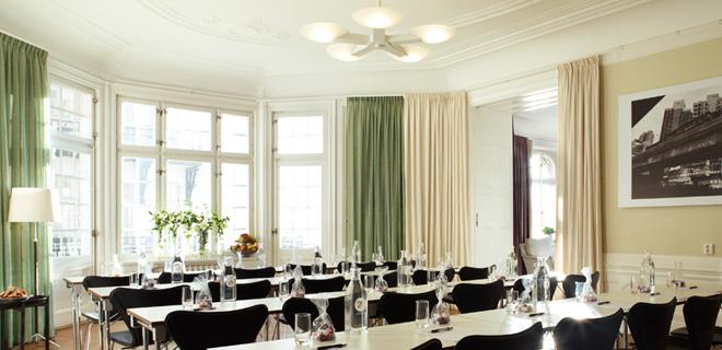 Representativ miljö med vackra interiörer.